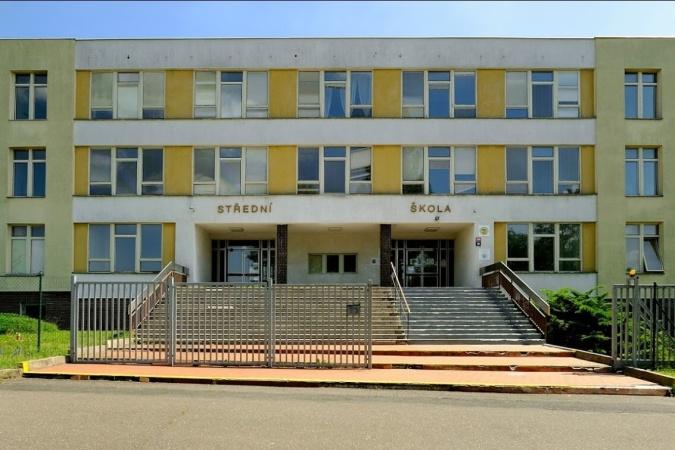 Přejmenování školy
